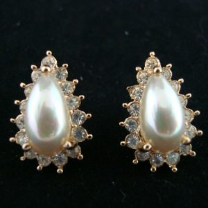 Classique Crystal Pearl Clip Earrings