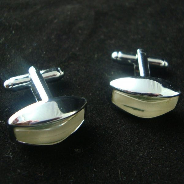 Oblong pearl cufflinks